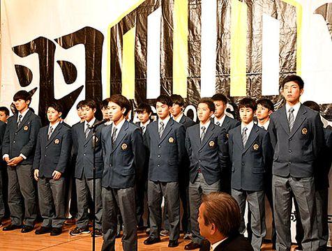 全国大会に向け、保護者らが部員たちを激励した=鶴岡市・東京第一ホテル鶴岡