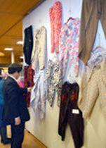 足不自由でも着脱ラクラク「巻きズボン」 滋賀・甲賀で展示