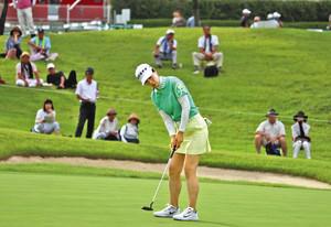 ゴルフ 日本女子プロ選手権 射水で開幕 プロ132人熱戦