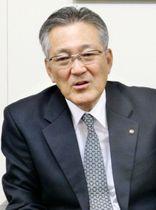 インタビューに答える宝ホールディングスの柿本敏男社長