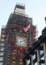 改修中のビッグベン=24日、ロンドン(共同)