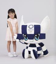 2020年東京五輪の大会マスコットの特大ぬいぐるみ((C)Tokyo 2020)