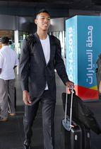 陸上世界選手権に出場するためドーハに到着したサニブラウン・ハキーム=23日(共同)