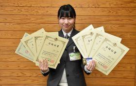 全商検定8種目で1級に合格した吉村美紅さん