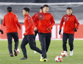 東アジアE―1選手権に向けて調整する男子北朝鮮代表イレブン=味スタ