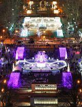 札幌・大通公園で始まった「第39回さっぽろホワイトイルミネーション」=22日夕