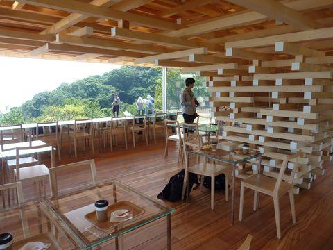 隈研吾さん設計のカフェがオープン 初島望む熱海の絶景地