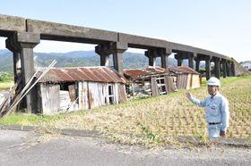 古い倉庫が撤去される前の立岡二号桟道(田野町)