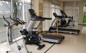 【8日から再開するトレーニング室=亀山市川合町の東野公園体育館で】