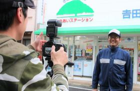 フォトブック作成に向けた撮影風景=五島市福江町