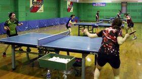 ひろしま国際オープン選手権に向けて練習に励む中国電力の選手