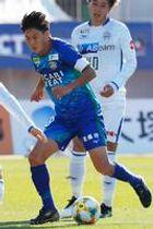 徳島の攻守の要となる岩尾。古巣との決定戦でもチームを勝利に導く