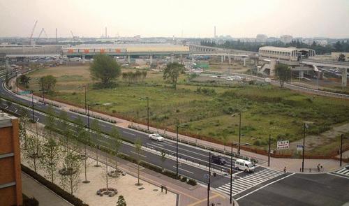 2003年当時の立川米軍基地跡地=東京都立川市