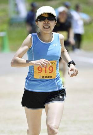 女子5キロは山田V、攻めて自己記録を更新 奥川健康マラソン