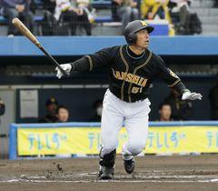 6回、阪神・伊藤隼が右越えに本塁打を放つ=静岡