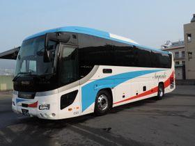 長崎自動車と名鉄バスが長崎―名古屋間で共同運行するグラバー号(長崎自動車提供)