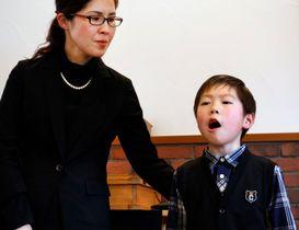 山田貴翔君と母みゆきさん。この8年、2人きりで必死に生きてきた
