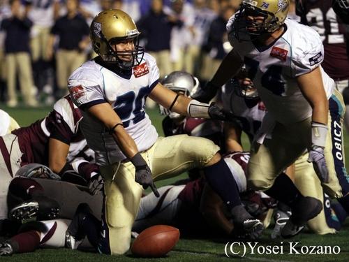 2010年の社会人準決勝、鹿島戦で劇的な同点TDを決めるRB古谷=撮影:Yosei Kozano