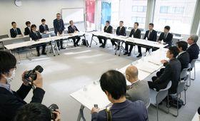 IOCが東京五輪のマラソンと競歩の札幌開催を検討していることを受け、北海道と札幌市が開いた実務者連絡会議=17日午後、札幌市中央区
