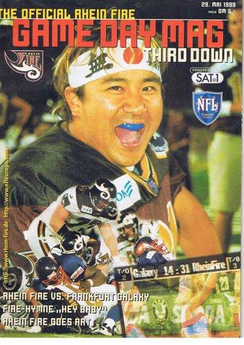 99年、NFLヨーロッパの専門紙の表紙を飾る中村多聞さん