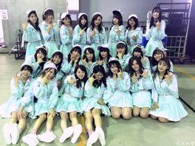 写真を拡大  チームK単独コンサートに出演した春本ゆきさん(2列目右端)ら=東京都の東京ドームシティホール