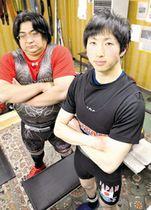 【写真=世界の舞台に闘志を燃やす小野さん(右)と木藤さん】