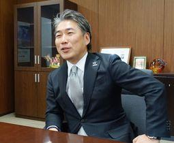共同通信のインタビューに応じるパナソニックサイクルテックの片山栄一社長