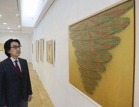 アクリル画で立体感 いわきで大塚さん作品展、28日まで