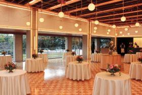 披露宴などにも対応できる1階の「パークスイート」=神戸市中央区中山手通5、THE SORAKUEN
