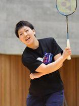 地元勝山で笑顔を見せる山口茜=2017年10月撮影、福井県勝山市体育館ジオアリーナ