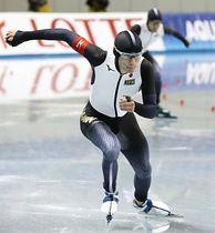 平昌冬季五輪で着用するレーシングスーツでタイムトライアルに臨んだ日本代表のウイリアムソン師円(日本電産サンキョー)