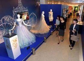 ディズニープリンセスの衣装展示