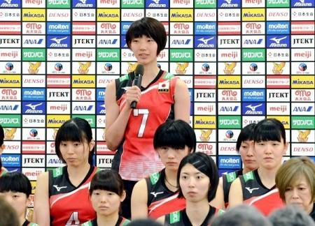 バレー 女子日本代表の石井と井上愛が会見 岡山・就実出、強い決意と抱負語る