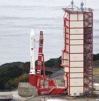 宇宙航空研究開発機構の小型ロケット「イプシロン」4号機=9日、鹿児島県肝付町の内之浦宇宙空間観測所(JAXA提供)