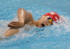 男子1500メートル自由形タイム決勝 15分39秒07の大会新で優勝した遠藤(作新)=県立温水プール館