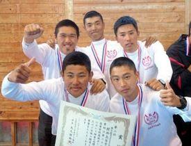 ボート男子かじ付き4人スカルで準優勝した関西の(左上から時計回りに)神馬陽、山本卓哉、石川航汰、小橋冬唯、杉野太星