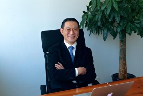 社長を務める上海の会社のオフィスでの金鋭さん