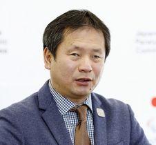 インタビューに答える日本パラリンピック委員会の河合純一委員長