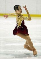 【高校女子Aクラス】伸びやかな演技で優勝した大澤(三沢)=テクノルアイスパーク八戸