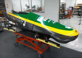 ジャマイカ女子チームへ提供された「下町ボブスレー」の10号機=9月24日