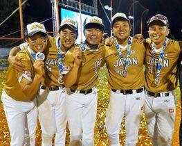 県スポーツ特別顕彰の贈呈が決まった(左から)八角、宇根、井上、松田の4選手と吉村監督