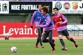 延期決定後もスタジアムで練習する広島イレブン(撮影・大川万優)