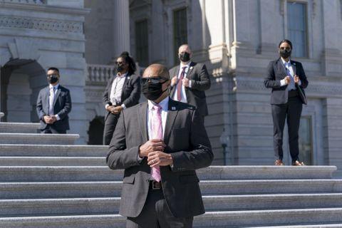 米連邦議会に攻撃情報、下院休会