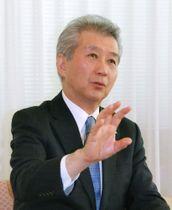 インタビューに答える中部電力の勝野哲社長