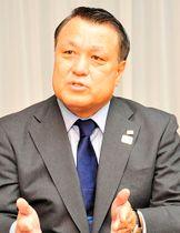 競技人口の拡大などについて方策を語る日本サッカー協会の田嶋幸三会長=山形市・山形メディアタワー