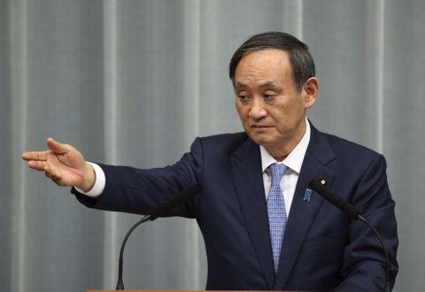 東京新聞の望月記者、菅氏に抗議