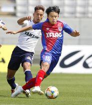 FC東京―磐田 前半、ドリブルで攻め込むFC東京・久保建=味スタ