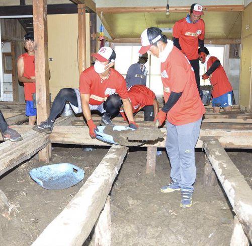野球⋅高知FD選手、安芸市被災地で復旧支援ボランティア