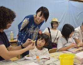 プロモデラーのオオゴシトモエさんが指導したジオラマ教室(四万十町の海洋堂ホビー館四万十)
