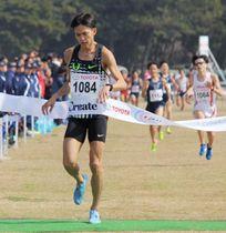 日本選手権クロスカントリーで優勝した大迫傑=福岡市海の中道海浜公園